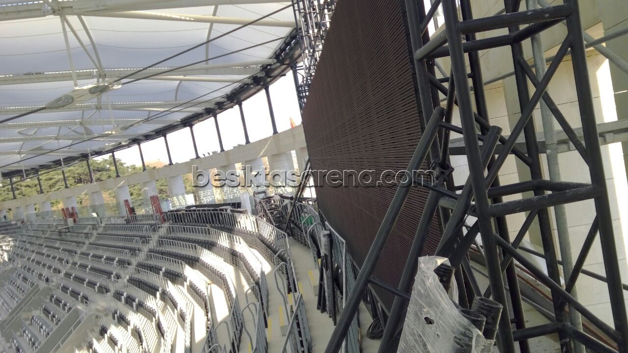 http://haber.besiktasarena.com/wp-content/gallery/vodafone-arena-fotograflari-26-mart-2016-1800/vodafone-arena-26-Mart-2016-18-00-93.jpg