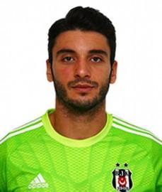 21 Şubat 1988 tarihinde İzmir'de doğdu. Göztepespor'un altyapısında yetişen Cenk Gönen, ilk profesyonel maçını 16 yaşındayken Beşiktaş'a karşı oynadı. 2005 yılında Göztepe'ye Denizlispor'a transfer olan genç kaleci, 2008 yılında Altayspor'a gitti ve aynı yıl içinde Denizlispor'a geri döndü. Turkcell Süper Lig'deki ilk resmi maçında Galatasaray'a karşı Denizlispor kalesini koruyan Cenk Gönen, 2 kere U-15, 16 kere U-16, 7 kere U-17, 2'şer kere U-18 ve Ümit Milli ve 2 kere de A Milli Takımımız'ın kalesinde görev yaptı. Cenk Gönen, 2010-2011 sezonu öncesinde Beşiktaşımız ile 5 yıllık sözleşme imzaladı.