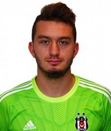 Fransa'nın Sevr kentinde dünyaya gelen Demba Ba, futbola amatör olarak 2001 yılında Montrouge takımının altyapısında başladı. 2005-06 sezonunda Fransa Üçüncü Ligi ekiplerinden Rouen'le anlaşarak bu takımda profesyonel oldu. Ba, 2006-07 sezonu öncesinde üç yıllığına Belçika'nın Mouscron ekibiyle sözleşme imzaladı. Senagilli yıldız 2007-08 sezonunun başında ise Almanya'nın Hoffenheim takımına transfer oldu. Hoffenheim'daki performansı ile dikkatleri üzerine çeken yıldız golcü, İngiliz takımı West Ham'a transfer oldu. Ancak West Ham küme düşünce 2011-2012 transfer sezonunda Newcastle, Ba'yı serbest kaldığı için para vermeden aldı. Senegalli golcü 4 Ocak 2013 tarihinde 3,5 yıllığına Chelsea ile anlaştı. Chelsea'nin başarılarında büyük pay sahibi olan Demba Ba, 2014-2015 sezonu başında Beşiktaşımız ile sözleşme imzaladı.