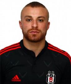20 Ocak 1992 tarihinde Almanya'da doğdu. Futbola Adler Dellbrück takımında başladı. 2007 yılında Bayer Leverkusen'in U-17 takımında oynamaya başladı. 2009'da İngiliz ekibi Chelsea'ye transfer olan Töre, 2011-2012 sezonunun başında tekrar Almanya'ya dönerek Hamburg ile anlaştı. Kısa sürede Bundesliga'nın asist krallığında zirveye yerleşen Gökhan, Rusya'nın Rubin Kazan takımına transfer oldu. 2013-2014 sezonunun başında Beşiktaşımız tarafından kiralanan Gökhan Töre, 2014-2015 sezonu başında Beşiktaşımız ile sözleşme imzaladı.