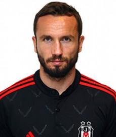 15 Eylül 1983 tarihinde Çek Cumhuriyeti'nde doğan Sivok, futbola kendi ülkesinde başladı. İsmini duyurmaya başladığı ilk dönemlerde en yetenekli genç oyuncular arasında gösterilen Çek futbolcu en büyük patlamayı ise İtalya'da oynadığı dönemde yaptı. Serie A'da Udinese takımının formasını giyen Tomas Sivok, daha sonra kiralık olarak ülkesinin güçlü takımlarından Sparta Prag'da forma giymeye başladı. Genç yaşına rağmen Sparta Prag'ın kaptanlığını yapan Çek futbolcu, 1.85'lik boyuyla savunmanın ortasında ve orta alanda görev yapabiliyor. Tomas Sivok bu yıl Sparta Prag formasıyla toplam 22 karşılaşmada forma giydi. Bu maçlarda 1 gol atabilen Sivok, 2 de sarı kart gördü. Çek futbolcu 47 kere Çek Cumhuriyeti Milli Takımı'nda forma giyerken 5 kez fileleri havalandırdı. Sivok, 2008-2009 sezonu başında Beşiktaşımıza transfer oldu.