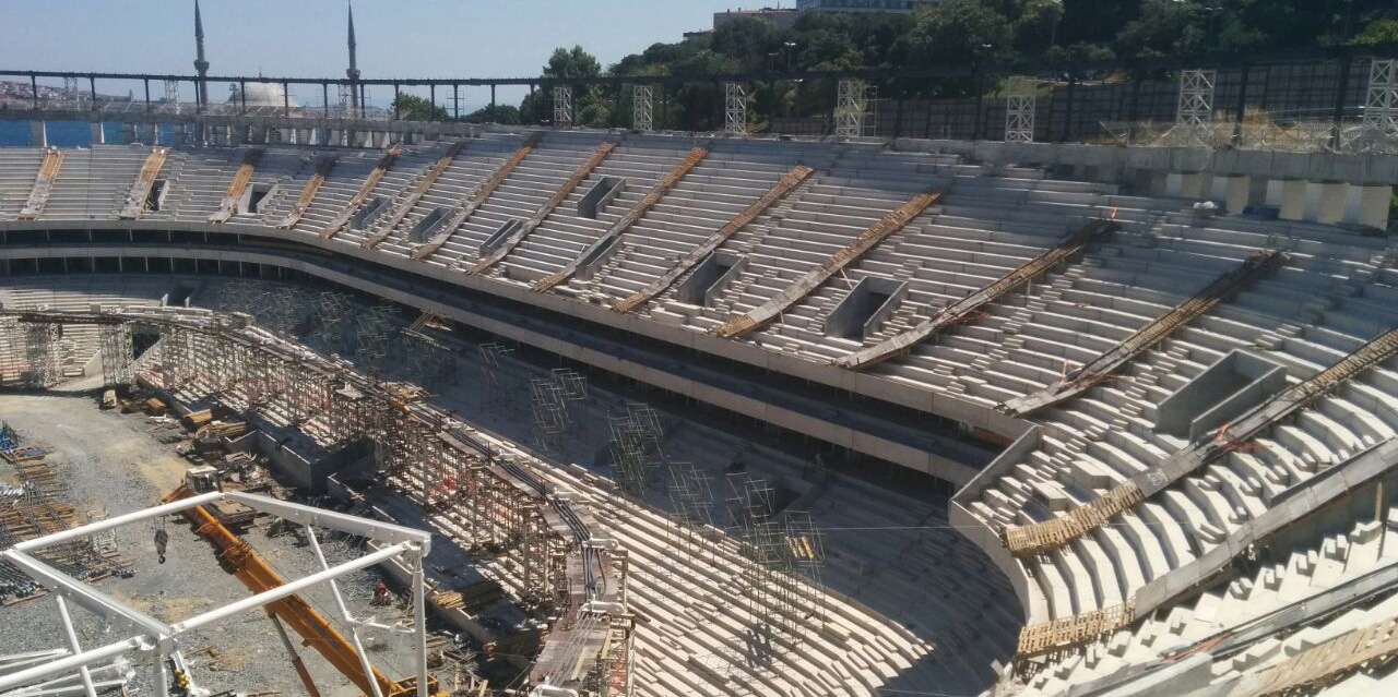 vodafone-arena-Kapak-18--Temmuz-2015
