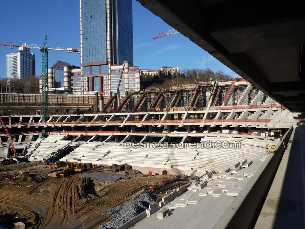 vodafone-arena26