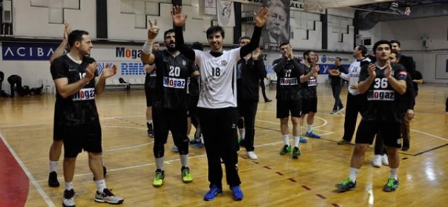 Sezonun İlk Şampiyonluğu Beşiktaş Mogaz'dan