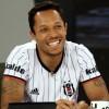 Beşiktaş formasını giydiğim için mutluyum