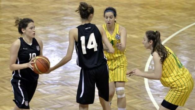 Genç Kız Basketbolcularımız Finalde