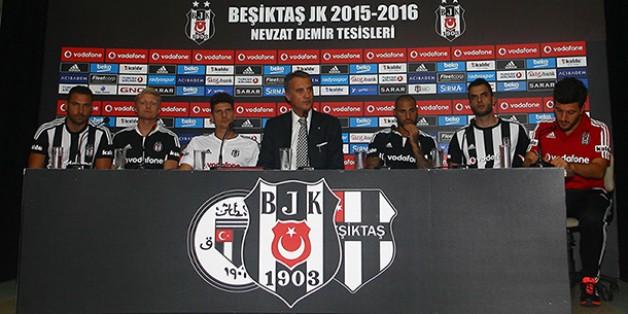 Beşiktaş'ta İmza Töreni