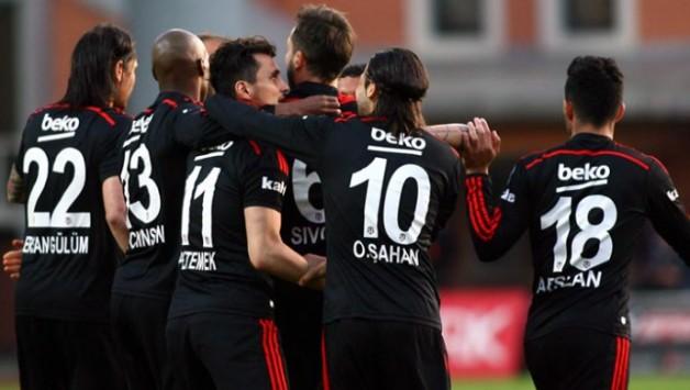 Kasımpaşa:1 Beşiktaş:2 (İlk Yarı Sonucu)