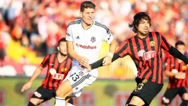Eskişehirspor:0 Beşiktaş:1 (İlk Yarı Sonucu)