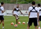 Beşiktaş'ta Trabzonspor mesaisi devam ediyor