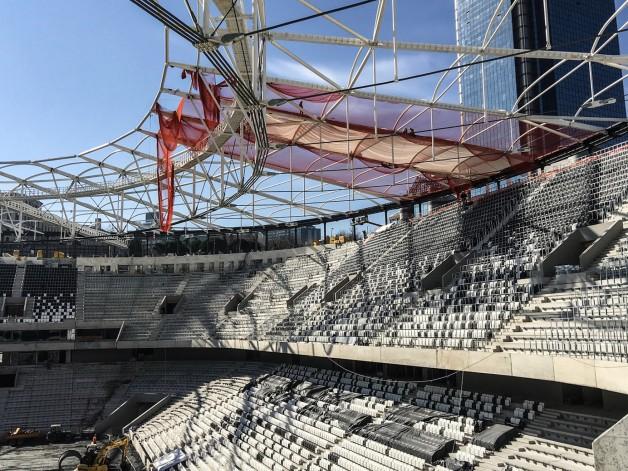 Vodafone Arena'da Çatı Kaplama İşlemi Başladı