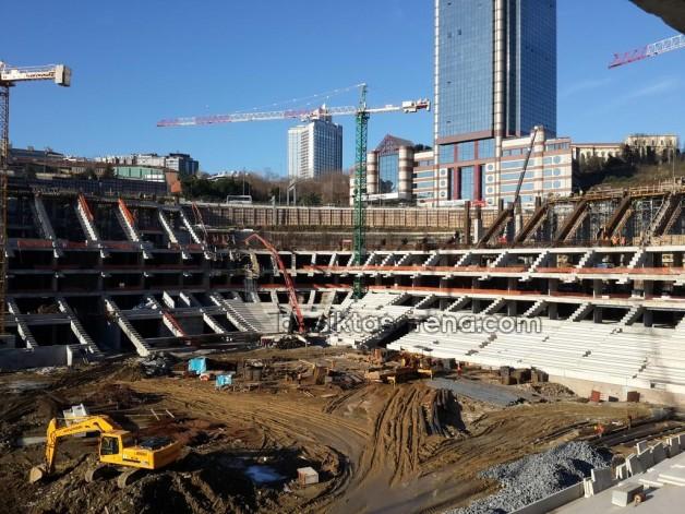 Vodafone Arena Yükseliyor